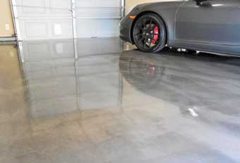 shiny epoy garage floor in cincinnati